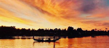 Sunset Cruise San Diego | Black Swan Gondola